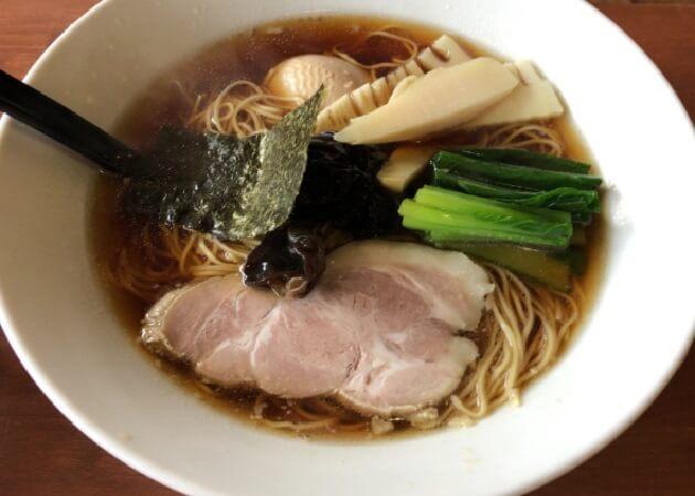 イツワ製麺所食堂 東神奈川店のラーメン