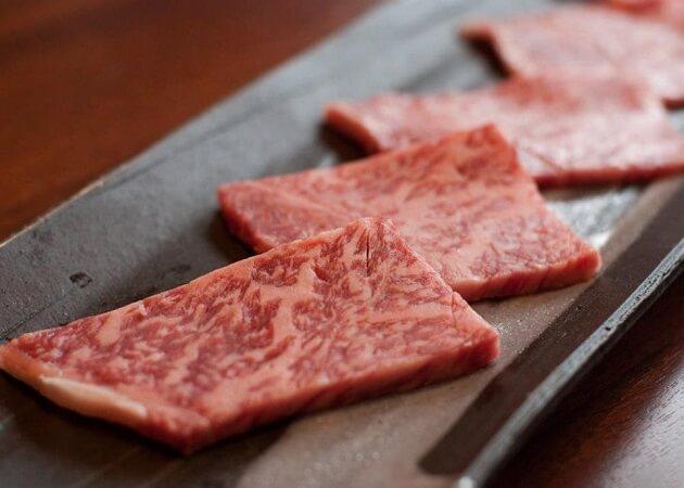 焼肉ホルモン 久楽のお肉