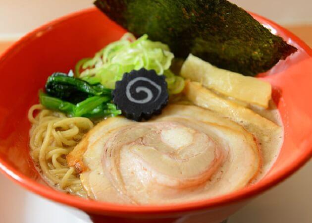 麺家 不忘 (メンヤ フボウ)の豚骨ラーメン画像
