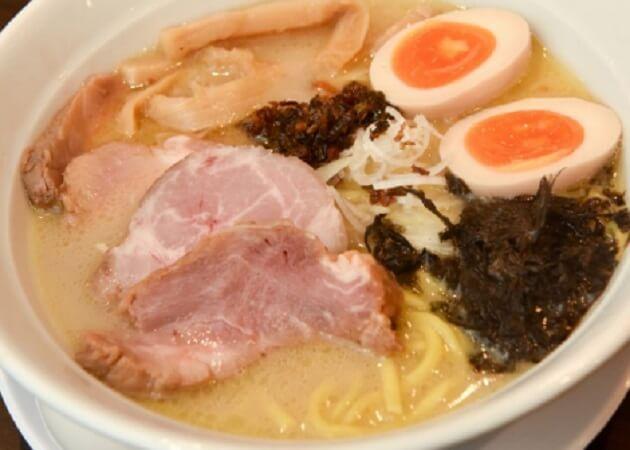 超濃厚鶏白湯ラーメン専門店 鶏ふじ の鶏白湯ラーメン画像