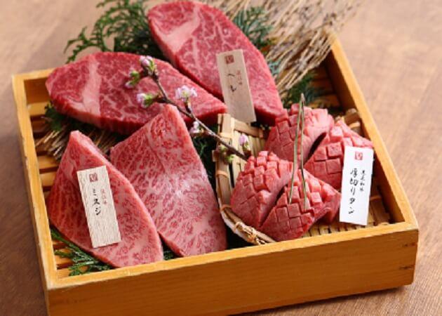 京焼肉 新の近江牛肉画像
