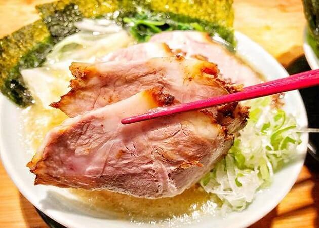 家系ラーメン 山下醤造 の豚骨醤油ラーメン画像