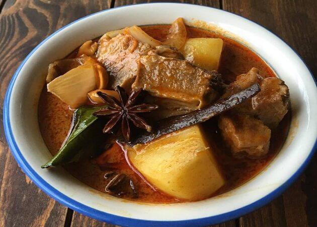 タイのごはん ラークパクチーのタイ料理画像