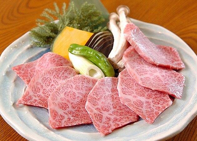 炭火亭 元町店 の黒毛和牛肉画像