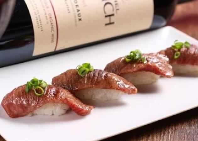 ワイモリカ の沖縄料理(石垣牛握り寿司)画像