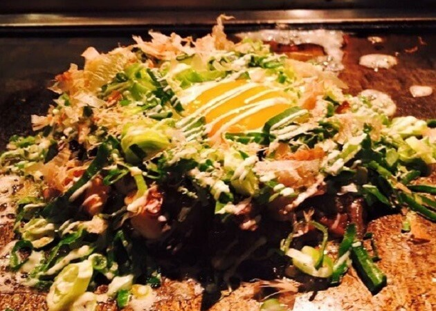MARUYOSHI 赤坂店 の お好み焼き画像