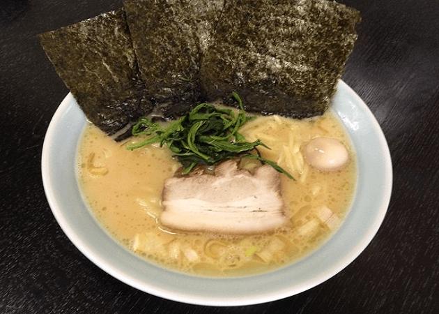萬来亭 の醤油豚骨ラーメン画像